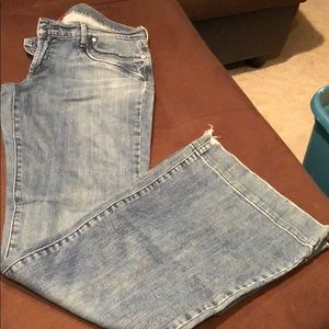 Lucky Brand Jeans size 6 wide bottom legs